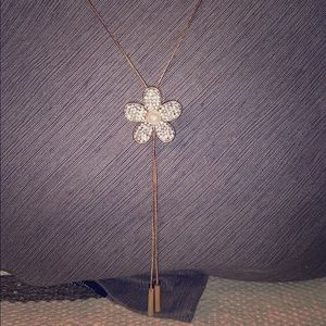 Jewelry - Crystal element flower necklace
